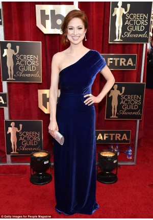 Ellie Kemper Navy Blue One-shoulder Velvet Dress SAG Awards 2017