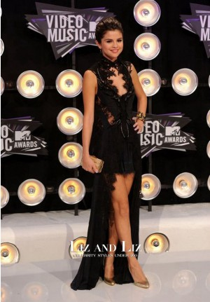 Selena Gomez Black Lace Hig-Low Dress 2011 MTV Video Music Awards